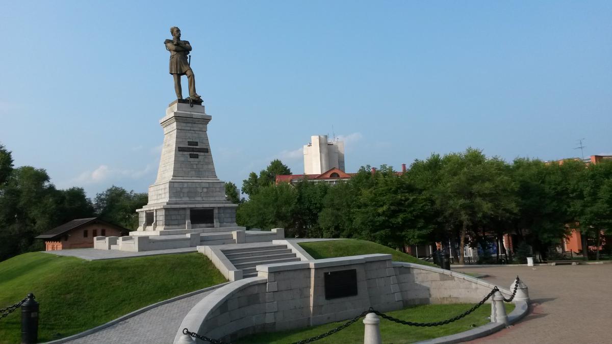 Эконом памятник Купола Невельск Памятник Роза из двух видов гранита Касимов